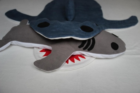 Hai Kissen Kuschelkissen Hai Plüschtier super großes Kissen handgefertigt
