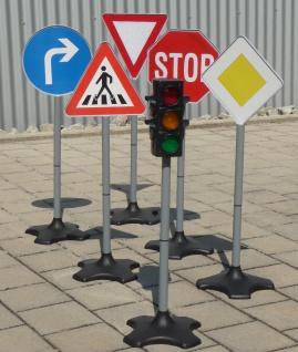 Kinder Verkehrs-AMPEL + Verkehrsschilder in MAXI Höhe 6er SET