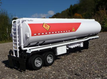 Spielzeug LKW Renault Magnum Petroleum Tanker in 1:32 - Vorschau 5