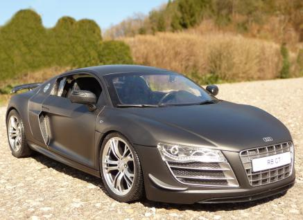"""RC Audi R8 GT mit AKKU + LICHT Länge 32cm """"Ferngesteuert 2, 4-GHz"""""""