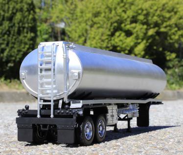 Spielzeug LKW Kenworth T-700 Petroleum Transporter in 1:32 - Vorschau 3