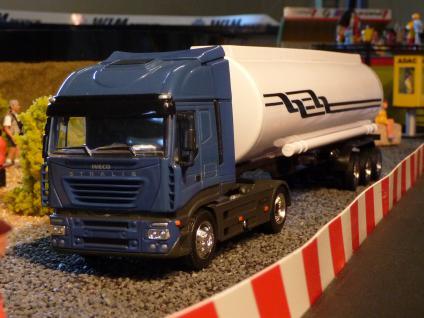 LKW Iveco mit TANKAUFLIEGER DEKORATION passend für Carrera DIGITAL
