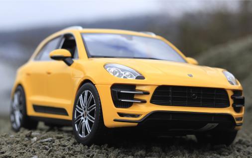 """RC Porsche Macan TURBO mit LICHT Länge 32cm """"Ferngesteuert 40MHz"""""""