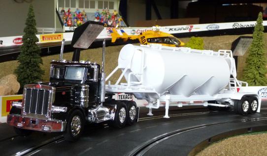 Spielzeug LKW Kenworth Peterbilt Truck in 1:32 - Vorschau 2