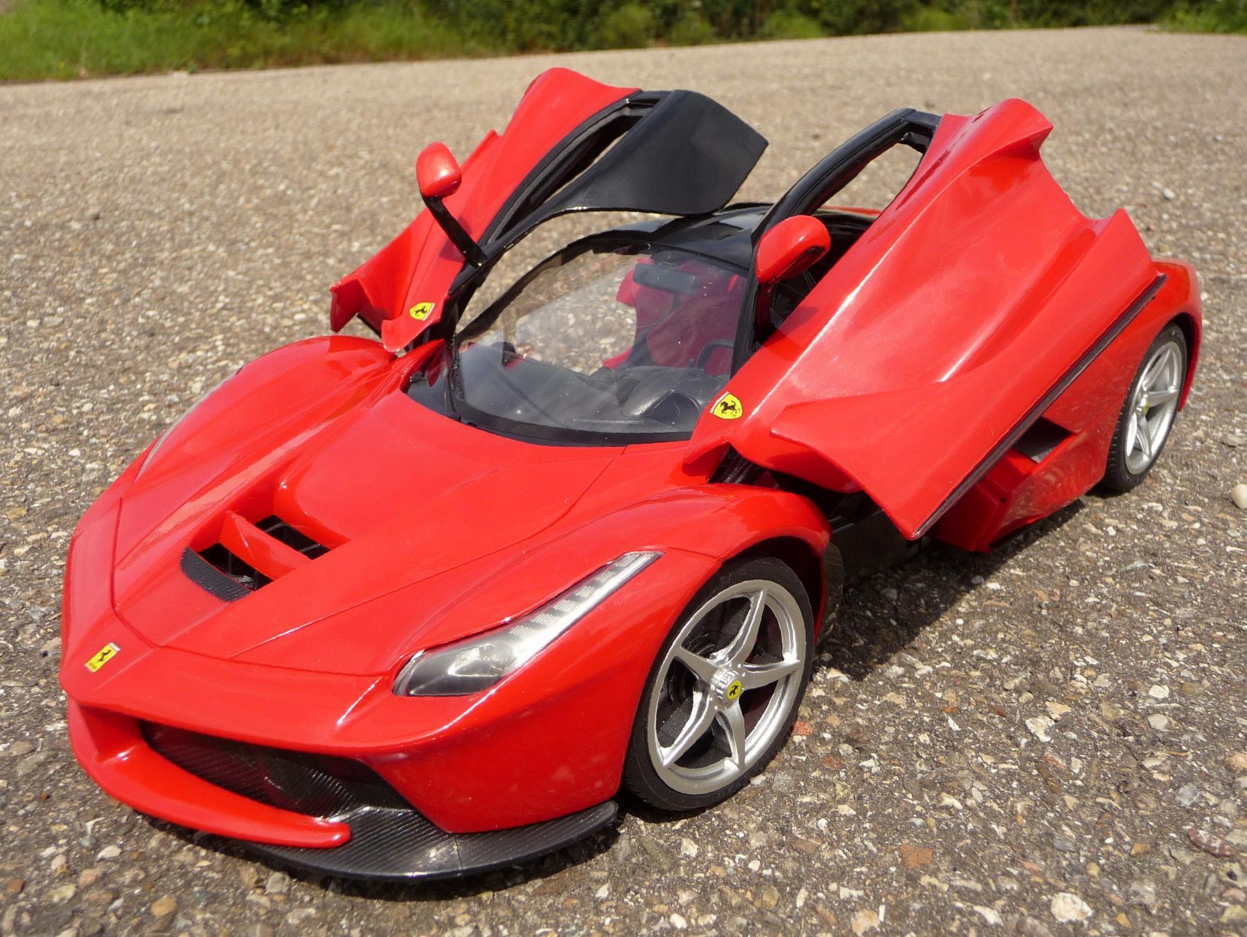 RC Modell La FERRARI Länge 34cm mit Licht Ferngesteuert 40MHz 404130 Elektrisches Spielzeug