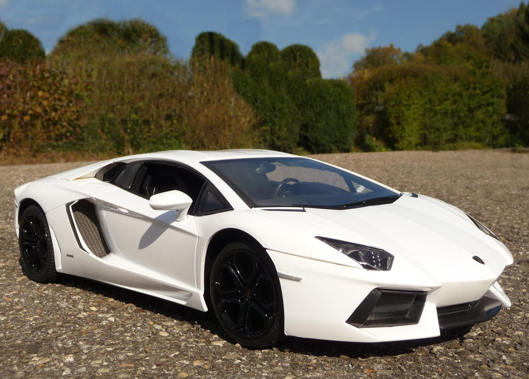rc lamborghini aventador weiss 33cm mit 40mhz. Black Bedroom Furniture Sets. Home Design Ideas