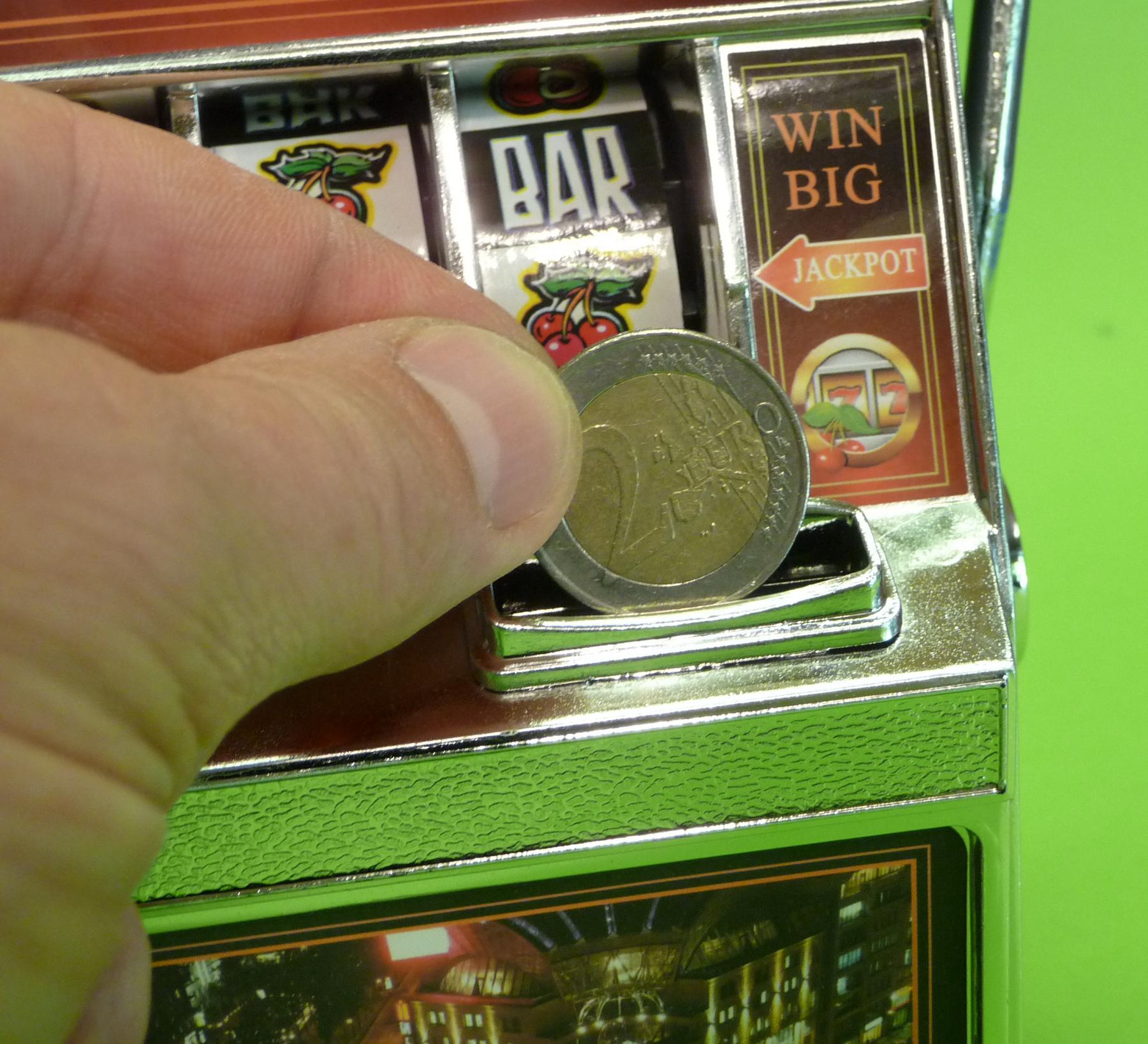 SLOTMACHINE Geld-Spielautomat in MINI-Gr/ö/ße mit realistischer FUNKTION