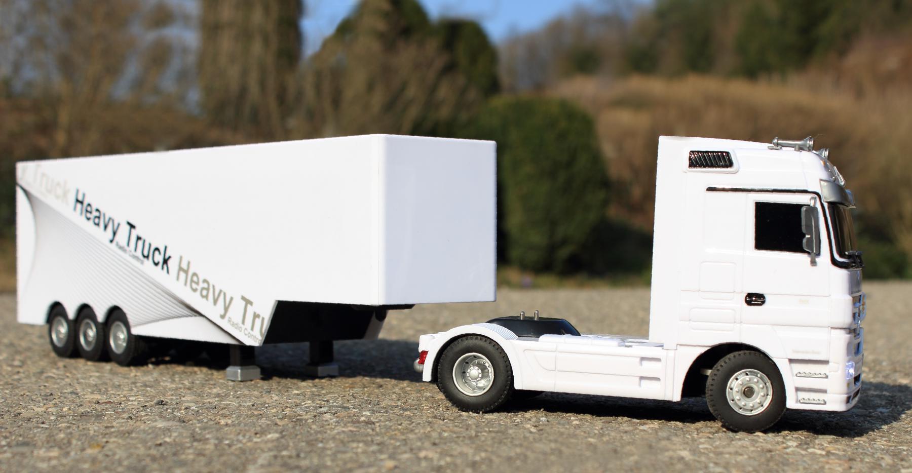 rc lkw mercedes benz actros mit 6 funktionen trailer. Black Bedroom Furniture Sets. Home Design Ideas