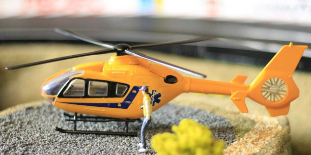 Hubschrauber Eurocopter Notarzt Deko Für Carrera Digital Servo Universal - Vorschau 5