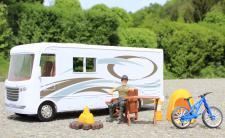 Spielzeug CAMPING-BUS Länge 34cm mit ZUBEHÖR 8 teilig in TOP QUALITÄT