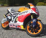 "RC Motorrad HONDA REPSOL RC213V Länge 23cm ""Ferngesteuert 27MHz"""