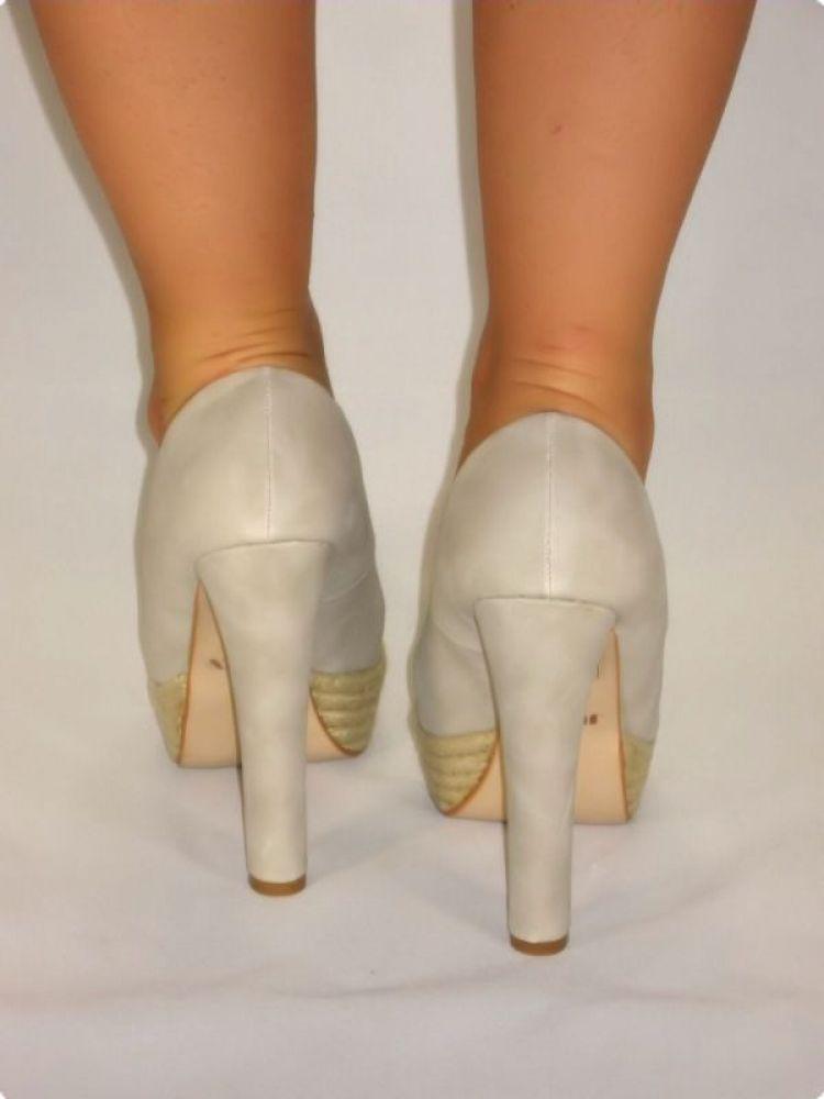 exclusive peeptoes high heels mit riemchen in grau. Black Bedroom Furniture Sets. Home Design Ideas