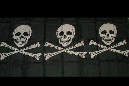 Flagge Fahne Pirat 3 Totenköpfe 90 x 150 cm