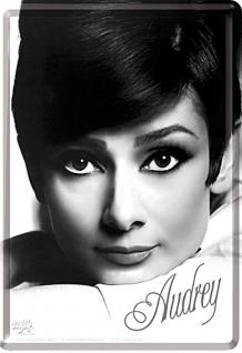 Blechpostkarte Audrey Hepburn Portrait