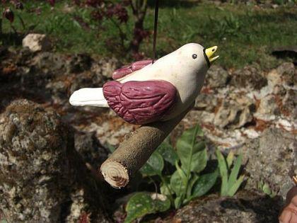 Keramik Vogel, hängend, auf Holzstab, sandfarben m - Vorschau 3
