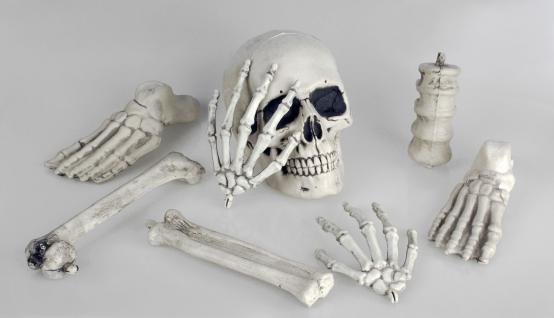 8 tlg. Schädel Knochen und Gebeine Sack, Deko Halloween, Grusel