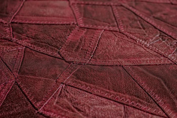 pr ge tapete atlas sti 2015 5 vliestapete gepr gt in lederoptik schimmernd rot wein rot schwarz. Black Bedroom Furniture Sets. Home Design Ideas