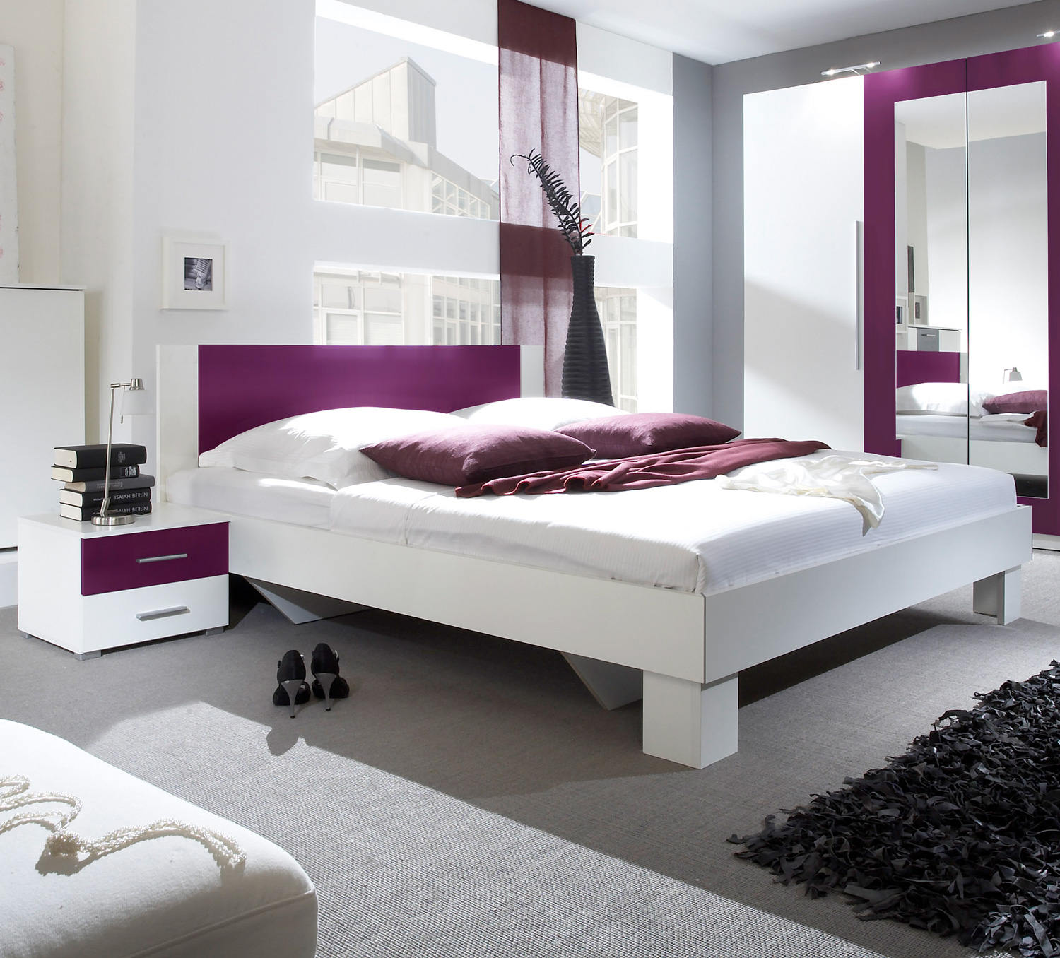 bett mit nachtkonsolen wohn design. Black Bedroom Furniture Sets. Home Design Ideas