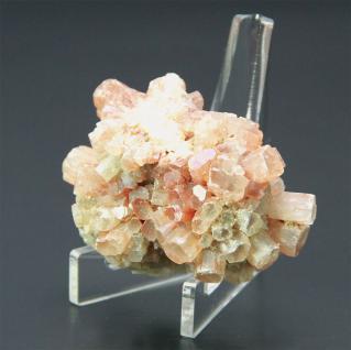 3 x SAFE 5272 ACRYL Dreieck Deko Aufsteller H 100 x L 80 mm für Mineralien - Fossilien - Bernstein - Schnecken - Muscheln - Kristalle