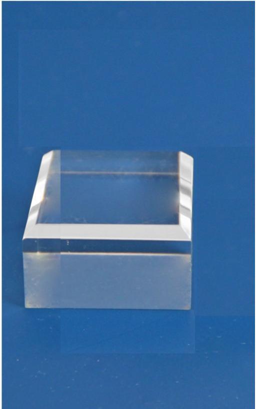 SAFE 5202 ACRYLGLAS Deko Präsentations Quarder Carree Sockel Universal mit Fase - L 50 x B 50 Höhe 20 mm - Für all die kleinen Schätze von A-Z