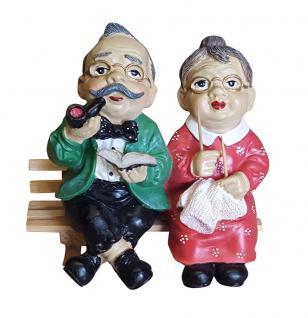 Dekofigur Oma und Opa auf Gartenbank Holzbank Deko Statue Skulptur NEU