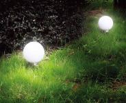 2er Set Solarleuchte mit je 2 LEDs, Mondlicht, Solarkugel Ø 25 cm mit Erdspiess