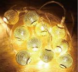 LED-Lichterkette mit 10 Kugeln in Goldoptik warmweiß Batteriebetrieb NEU