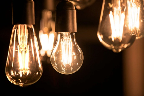 Philips 8718696587317 E14 LED Classic Leuchtmittel 4, 3W 470lm Kugel Warmweiß - Vorschau 3