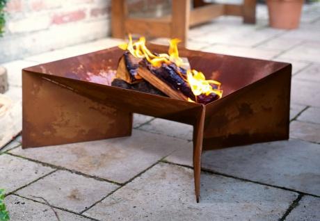 Metall Feuerschale im Rost Design Garten Grill Terrasse Kamin Lager Feuer Stelle