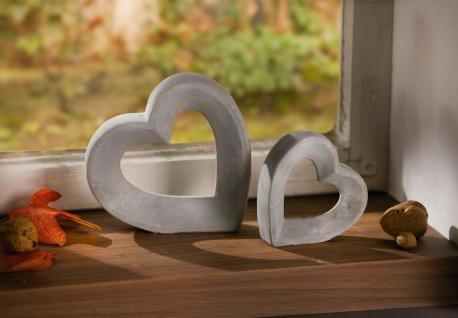 2 Herzen grau aus Zement, Herz Figur Hochzeits Tisch Fenster Deko Skulptur