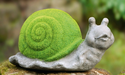 "Deko Schnecke "" Moos"" aus Fiberglas in dekorativer Stein Optik, Garten Tier Figur"