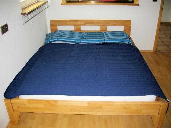 doppelbett buche massiv 160x200 neu mit kopfteil. Black Bedroom Furniture Sets. Home Design Ideas