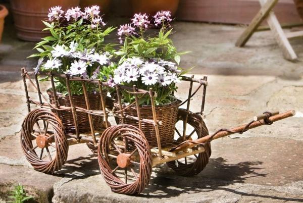 Gartendeko Aus Weidengeflecht, pflanzkorb leiterwagen aus weide gartendeko pflanzkasten blumenkÜbel, Design ideen