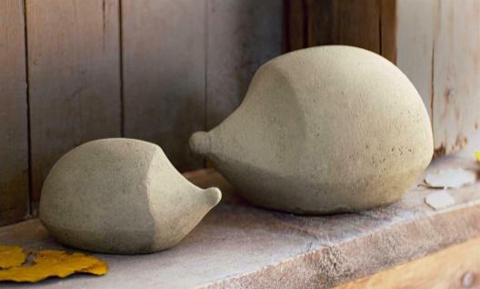 2 Igel Figuren klein + groß aus Beton grau, 15 + 24 cm lang, Herbst Garten Deko