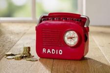 """Spardose """" Radio"""" im Retro Look, rot, Nostalgie, Sparbüchse Sparschwein, Geschenk"""