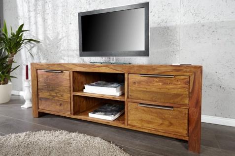 Casa Padrino Luxus Fernsehschrank Natur B.135 x H.50 x T.45 - Sideboard - Kommode - Handgefertigt Massivholz!