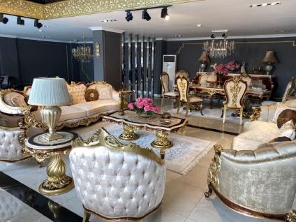 Casa Padrino Luxus Barock Wohnzimmer Set Silber / Braun / Gold - 2 Sofas & 2 Sessel & 1 Couchtisch & 2 Beistelltische - Handgefertigte Wohnzimmer Möbel im Barockstil - Edel & Prunkvoll