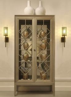 Casa Padrino Luxus Vitrine Grau 110 x 42 x H. 220 cm - Edler Massivholz Vitrinenschrank mit 2 Glastüren - Luxus Wohnzimmer Möbel - Vorschau 2