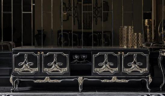 Casa Padrino Luxus Barock TV Schrank Schwarz / Gold - Prunkvolles Wohnzimmer Sideboard mit 4 Türen - Barock Wohnzimmer Möbel