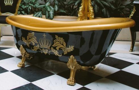 Pompöös by Casa Padrino Luxus Badewanne Deluxe freistehend von Harald Glööckler Schwarz / Gold / Schwarz 1470mm mit goldfarbenen Löwenfüssen - Vorschau 2