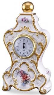 Casa Padrino Barock Tischuhr Weiß / Gold / Mehrfarbig 17 x 12 x H. 30 cm - Prunkvolle Barock Keramik Uhr mit Blumen Design
