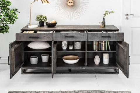 Casa Padrino Designer Massivholz Sideboard Grau 160 x 50 x H. 80 cm - Wohnzimmerschrank mit 3 Türen und 3 Schubladen - Wohnzimmermöbel - Vorschau 3
