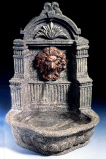 Casa Padrino Barock Mini Wandbrunnen Löwe Grau H. 31 cm - Gartenbrunnen im Barockstil