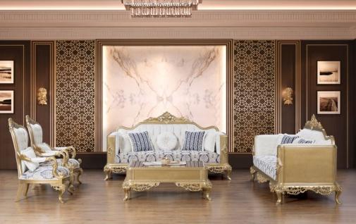 Casa Padrino Luxus Barock Wohnzimmer Set Blau / Weiß / Gold - 2 Sofas & 2 Sessel & 1 Couchtisch - Prunkvolle Barock Möbel - Wohnzimmer Möbel