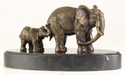 Casa Padrino Bronze Skulptur Elefant mit Kalb Bronze / Gold / Schwarz 21, 7 x 10, 2 x H. 11, 1 cm - Deko Bronzefiguren mit Marmorsockel