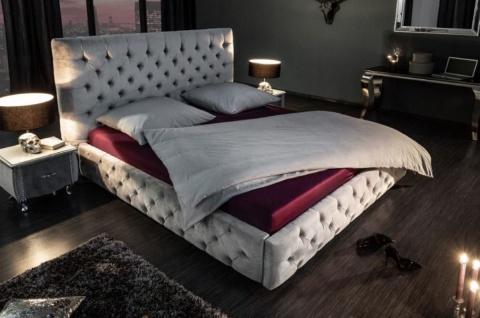 Casa Padrino Chesterfield Samt Doppelbett Silbergrau 210 x 220 x H. 138 cm - Massivholz Bett mit Kopfteil - Chesterfield Schlafzimmer Möbel