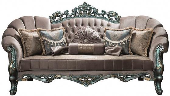 Casa Padrino Luxus Barock Samt Sofa Grau / Grün / Gold 225 x 95 x H. 115 cm - Prunkvolles Wohnzimmer Sofa mit Glitzersteinen und dekorativen Kissen