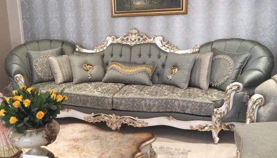 Casa Padrino Luxus Barock Sofa Grün / Weiß / Gold - Prunkvolles Wohnzimmer Sofa - Handgefertigte Barock Wohnzimmer Möbel - Edel & Prunkvoll