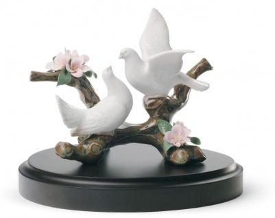 Casa Padrino Luxus Porzellan Tauben Skulptur Mehrfarbig Ø 14 x H. 11 cm - Luxus Kollektion