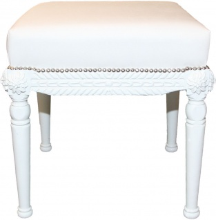 Casa Padrino Barock Antik Stil Sitzhocker in Weiß/Weiß B 56 cm, H 54 cm - Barock Sitzhocker